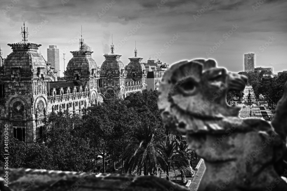 Fotografie, Obraz City Building By Boulevard And Sculpture Of Lion