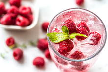Raspberry Mint Infused Water R...