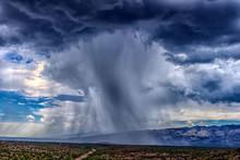 Thunderhead Cloud Produces Rai...