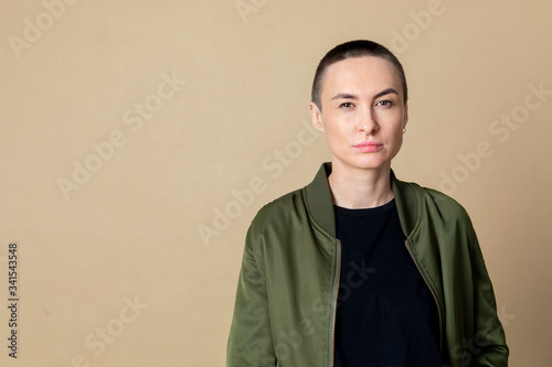 Fotografie, Tablou Cool skinhead woman
