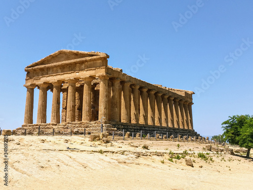 Photo temple of apollo in agrigento sicily