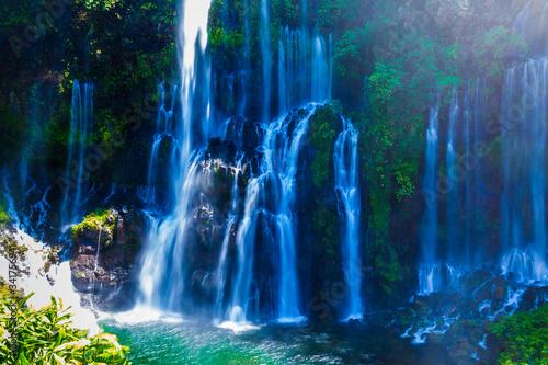 Valokuvatapetti Water Falling From Rocks