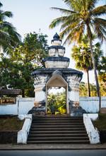 Buddhist Temple Entrance, Luan...