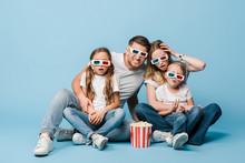 Shocked Family In 3d Glasses W...