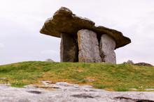 Poulnabrone Dolmen In Clare Co...
