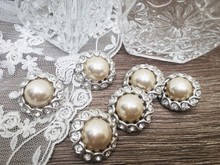Accessories In Vintage Glass J...