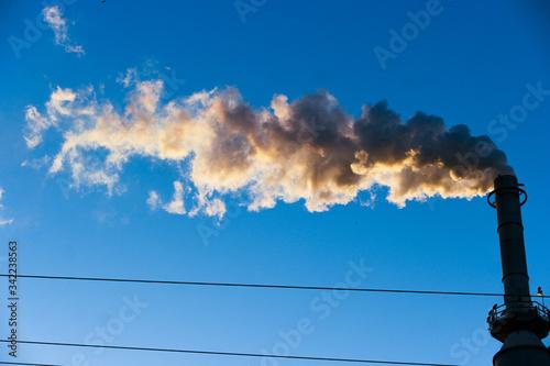 Canvastavla Low Angle View Of Smoke Stack