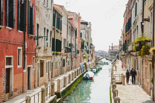 Fototapety, obrazy: Beautiful canal with tourist, Venice, Italy