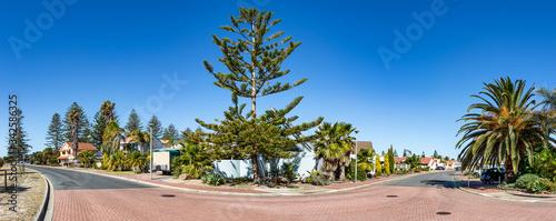 Photo Suburban residential area next to the Lady Ruthven Reserve in Adelaide, Australia