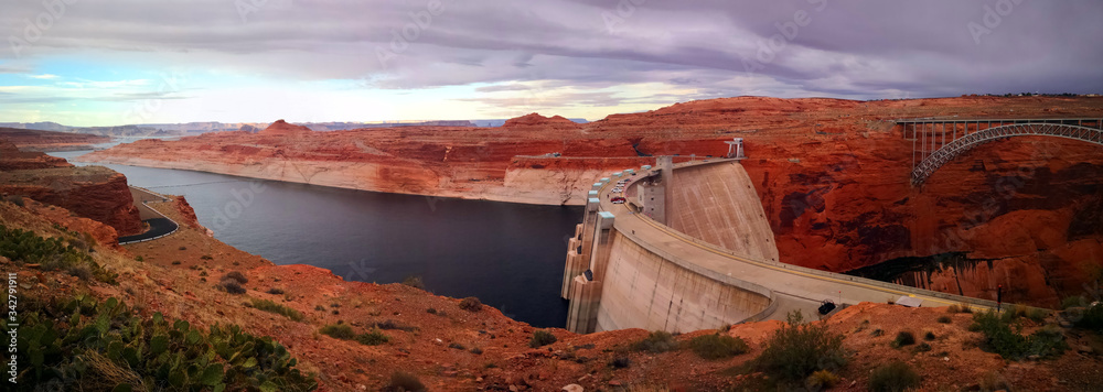 Fototapeta View over Glen Canyon Dam, Lake Powell, Arizona, USA
