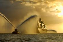 Cruise Ship 'Victoria' Arrivin...
