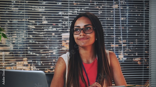 Close-up of african American family counselor smiling and happily looking at couple Fototapet