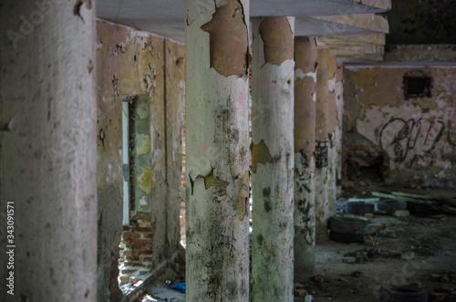 abandoned ghost town, extinct barracks Fototapet