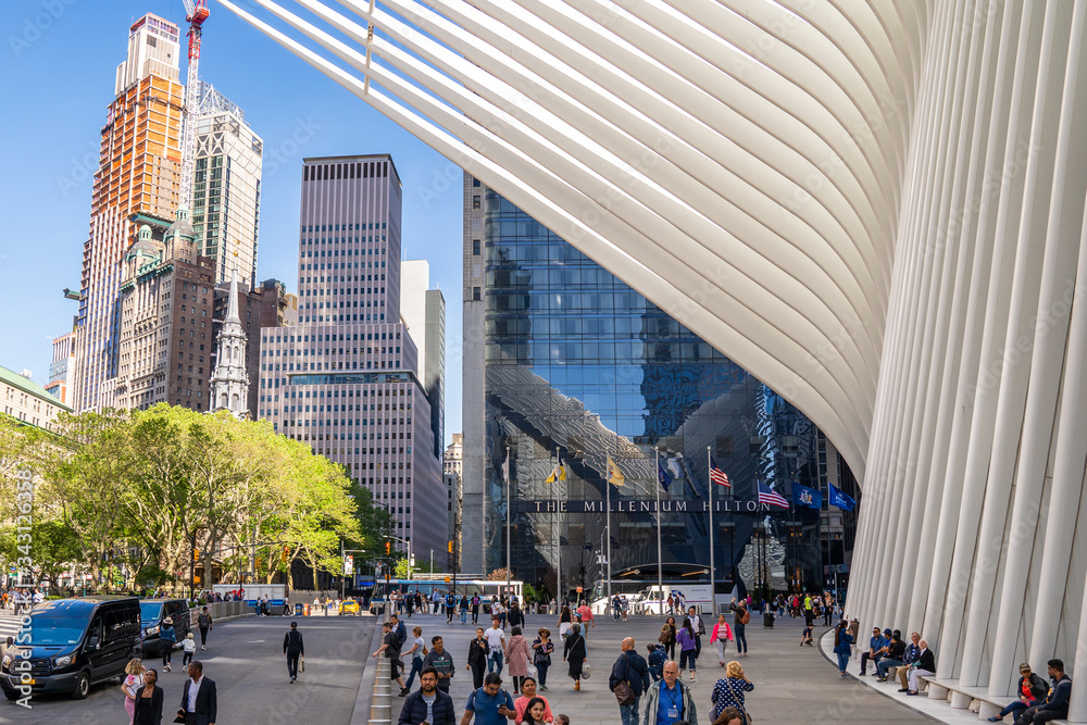 Fototapeta View of the Freedom Tower and Oculus in Lower Manhattan