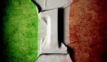 1 Maggio, Bandiera Per La Fest...