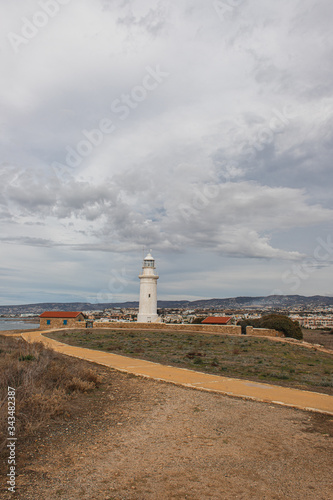 Photo archaeological park with ancient lighthouse