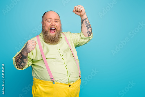 Photo Portrait of his he nice attractive cheerful cheery satisfied glad bearded mature