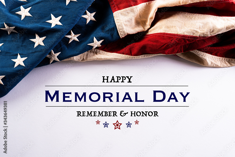 Fototapeta Happy Memorial Day. American flags with the text REMEMBER & HONOR against a white background. May 25.