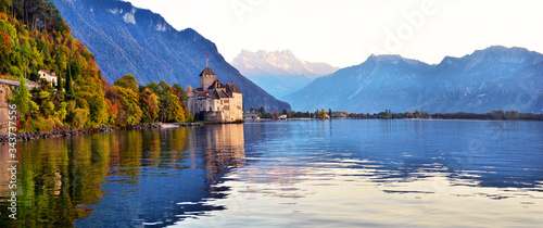 Foto view of famous Chateau de Chillon at Lake Geneva one of Switzerland's