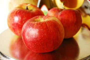 Fototapeta na wymiar Jabłka