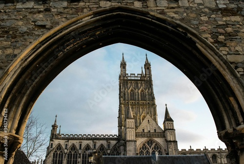Fotografija Gloucester Cathedral Seen Through Infirmary Arches