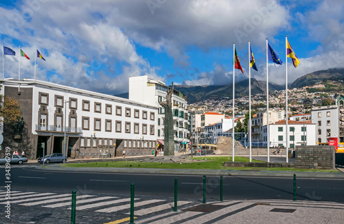 Photo Autonomy Square, Alfandega do Funchal and the monument of the autonomy of Madeir