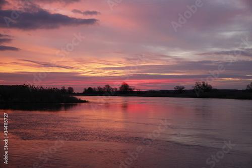Fototapeta Wschód słońca nad Odrą obraz