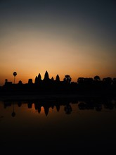Silhouette Angkor Wat Temple D...