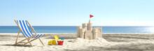 Sandburg Am Strand Im Urlaub In Den Sommer Ferien