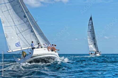 Cuadros en Lienzo Sailing yacht race. Yachting sport