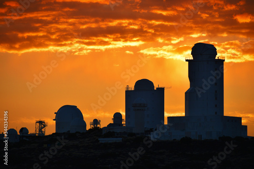 Zachód Słońca nad obserwatorium Teide - Teneryfa Fototapeta
