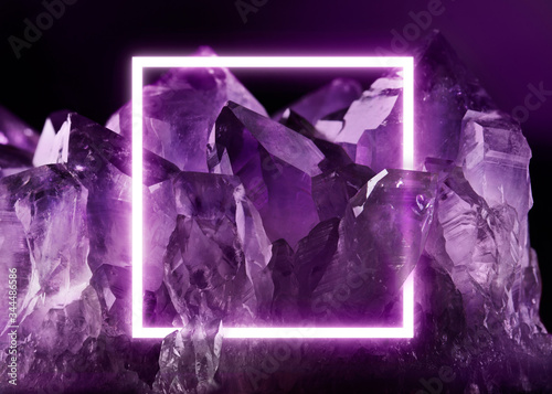 Photo Creative fluorescent layout made of crystal