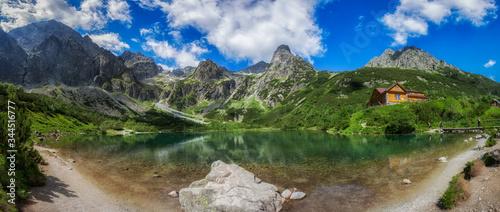Zielony Staw Kieżmarski w Tatrach, panorama - fototapety na wymiar