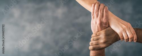 Fotografía Top view of holding hands