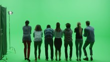 Green Screen Chroma Key Studio...