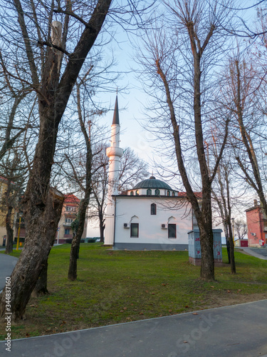 The Hussein-beg Mosque in Bosanski Brod is located in the center of the settlement and municipality of Bosanski Brod Fototapet