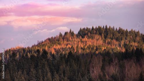 Fototapeta wschód słońca w górach obraz