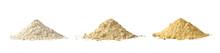 Mąka Wysypana Na Kupki Na Białym Tle