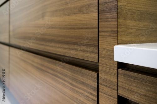 Photo Luxury bathroom wooden vanity