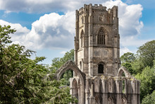 Fountains Abbey And Studley Ro...