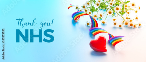 Fotomural Red heart and curled rainbow ribbon