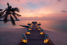 Romantic Dinner On The Beach W...