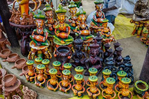 Photo Colorful Mattel items from Surajkund handicraft fair