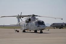 MCH-101掃海輸送ヘリコプター