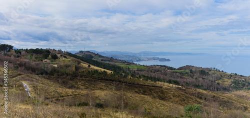 Vista del ratón de Getearia desde la ladera a la espalda del monte Igueldo. Donostia San Sebastián. Guipúzcoa, País Vasco,