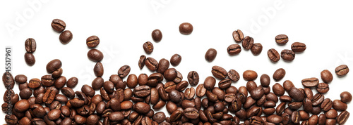 Photo Roasted arabica coffee beans isolated on white background