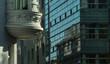 Architektonischer Kontrast in Köln