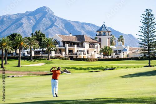 Fotografie, Obraz Golf Course con golfista