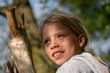 canvas print picture - Mädchen beim unbeschwerten Spielen im Wald