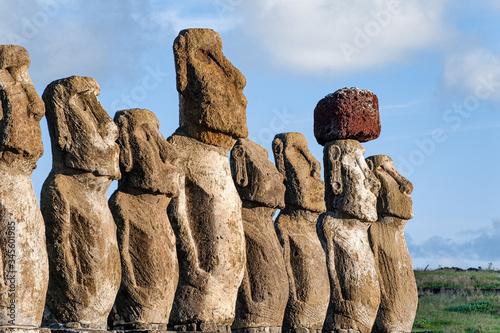 Photo Ahu Tongariki, the 15 moai statues - Easter Island